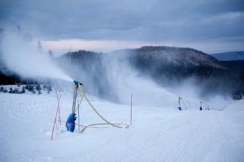 Snowmaking at Mammoth